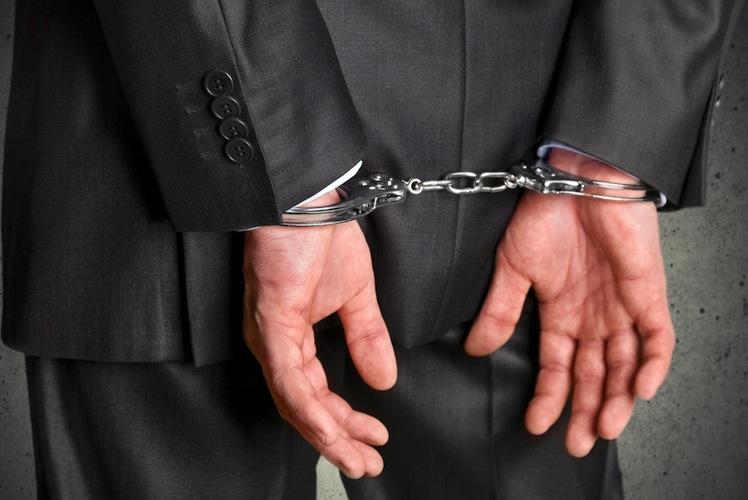 Die Angeklagten sitzen seit Februar 2013 in Untersuchungshaft.