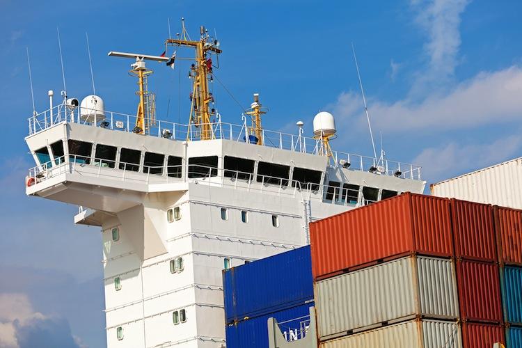 Shutterstock 404686189 in Investorengruppe um HCI übernimmt Schiffsportfolio