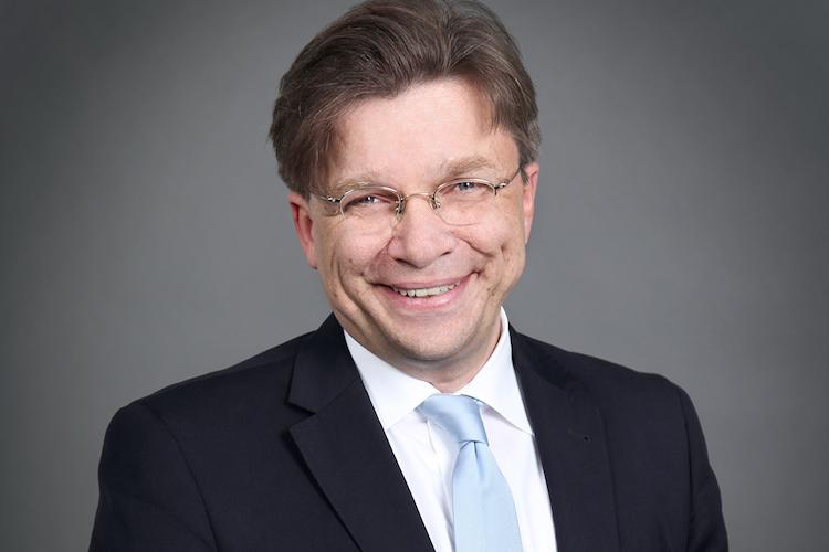 Goebel-Hartmut-Kopie in Germanbroker.net meldet erfolgreiches Kompositgeschäft