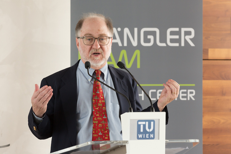 Professor Sheridan Titman äußert sich zur Prognostizierbarkeit von Aktienkursen.