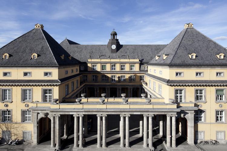 Munich-Re-Hauptgebaeude in Munich Re will Tochter in Australien verkaufen