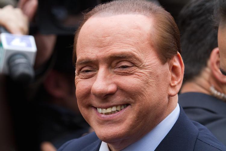 Berlusconi in Medien: AC Mailand soll an Chinesen verkauft werden
