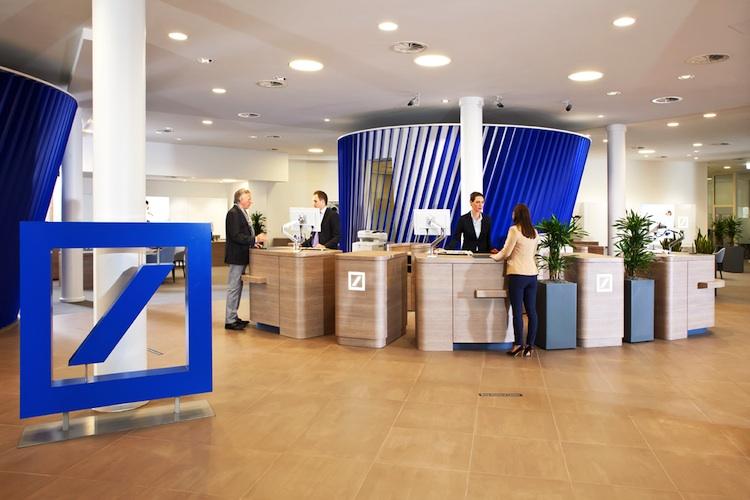 Deutsche-Bank-Filiale in Deutsche Bank überzeugt Investoren mit Halbjahreszahlen nicht