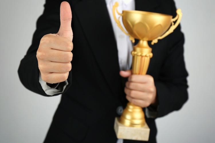 Hitliste der Finanzvertriebe: DVAG unangefochten an der Spitze
