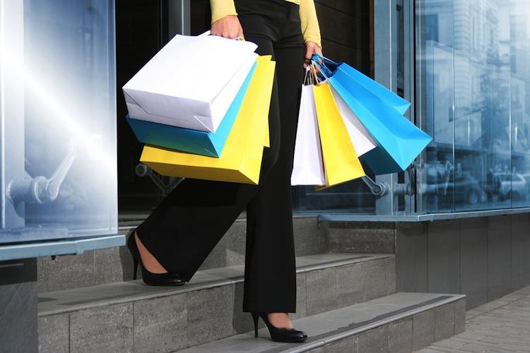 Shopping Shutt 13770613 in Kaufingerstraße in München ist meistfrequentierte Einkaufsmeile