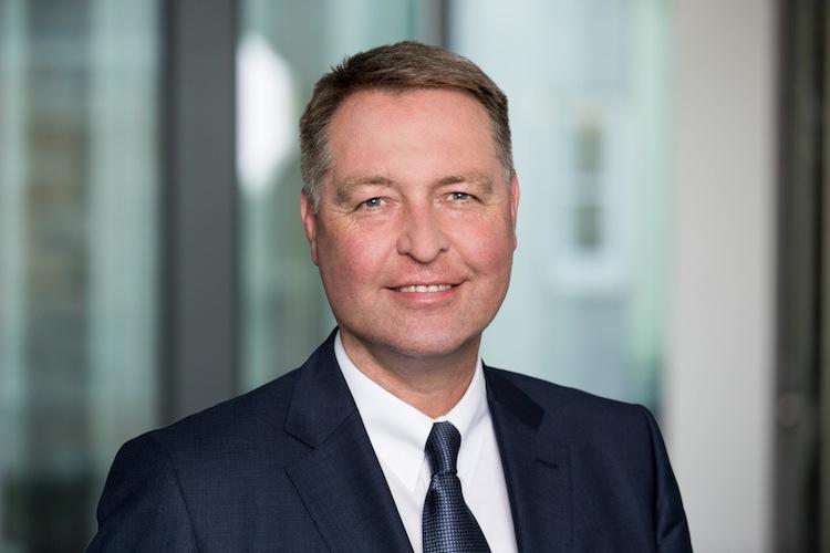 Vorstand Dr-walthes-frank in Versicherungskammer Bayern übernimmt Saarland Versicherung