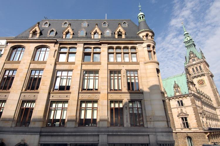 Boerse-Hamburg in Fondshandel an Börse Hamburg weiterhin lebhaft