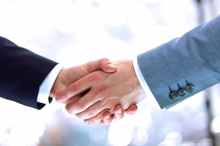 Deutsche Makler Akademie kooperiert mit Resultate Institut