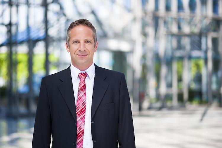 Norbert-Porazik Fonds-Finanz in Keine Verschiebung der Verantwortlichkeit zu Lasten der Makler