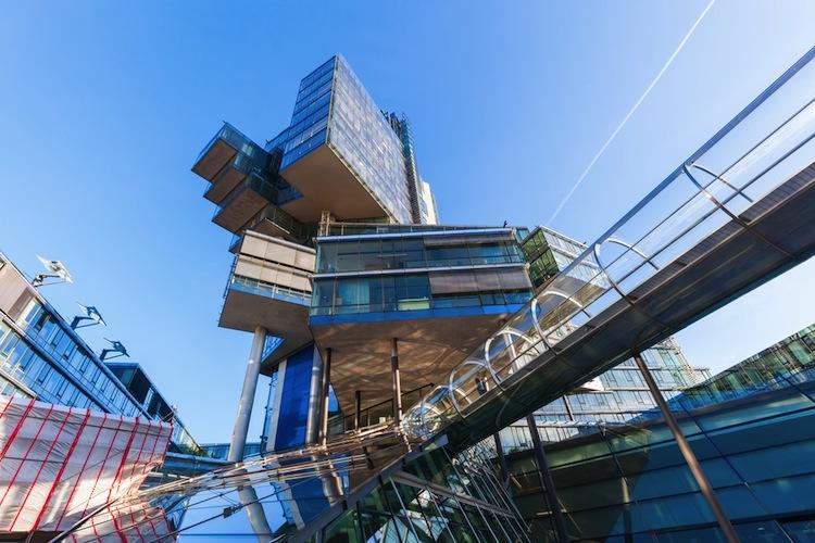 Shutterstock 351265451 in NordLB stößt Schiffsfinanzierungen im Wert von 1,3 Milliarden Euro ab