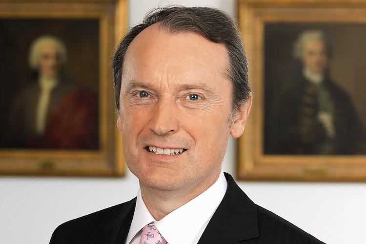 Hans-Walter-Peters-Bdb in Berenberg schafft neue Führungsstruktur