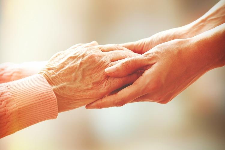 Pflege: Angehörige fühlen sich schlecht informiert