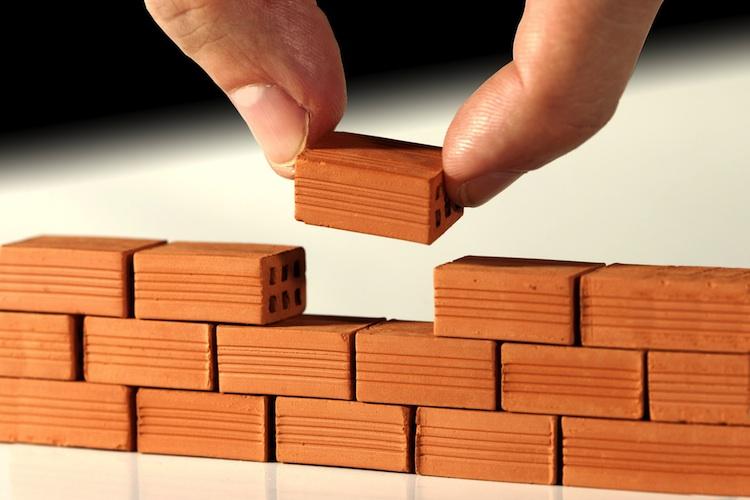 Baustein in Fertighausbranche profitiert vom Bauboom