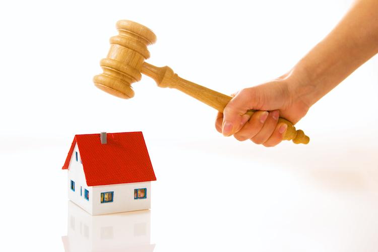 Haus-versteigerung-zwangsversteigerung-shutterstock 53455183-Kopie in Griechische Notare blockieren Zwangsversteigerung von Wohnungen