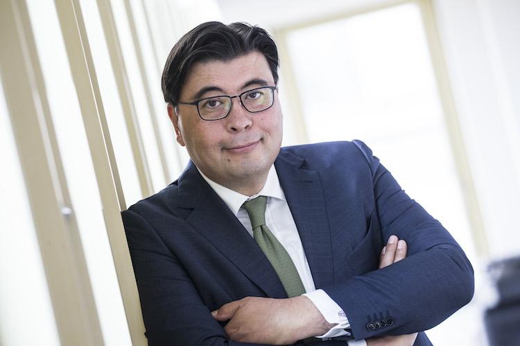 ADREALIS-Guido-Komatsu in Adrealis erweitert KVG-Lizenz um Immobilien und Schiffe