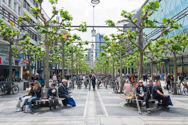 Frankfurt-zeil-Sergieiev-Shutterstock-Kopie in Anmietung von Einzelhandelsflächen sinkt