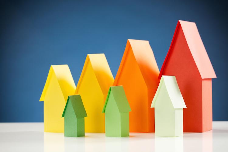 Haus-index-reihe-energieeffizienz-shutterstock 189205550 in Energetische Sanierung: So können Immobilieneigentümer Tausende Euro sparen