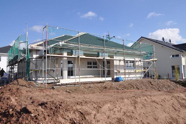 Hausbau-haus-baustelle-shutterstock 407150704 in Baubranche verzeichnet Umsatzwachstum