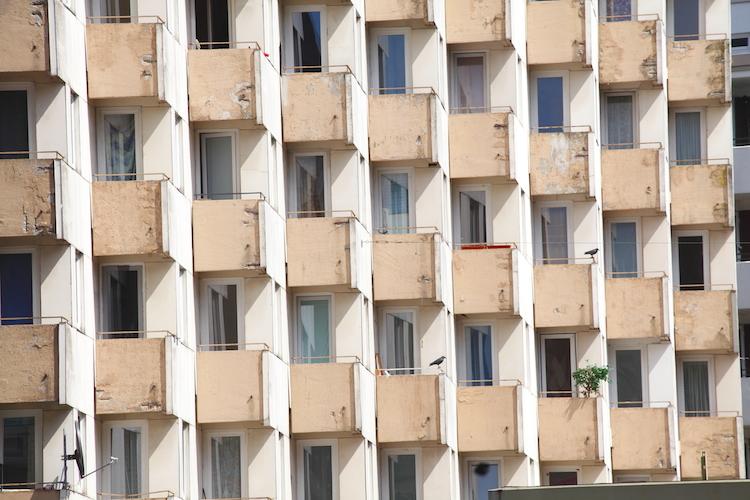 Hochhaus-bremen-shutterstock 468013394 in Bundesregierung erlaubt höhere Lärmpegel in Städten