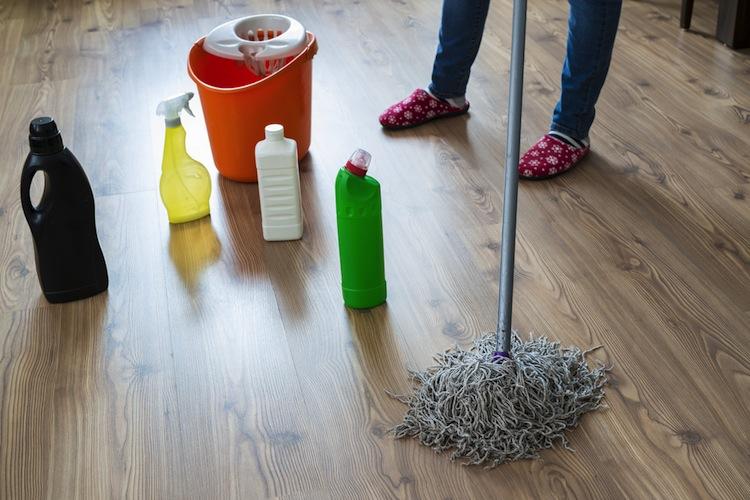 Shutterstock 523327234 in Reinigungskräfte mit den meisten Fehltagen wegen Krankheit