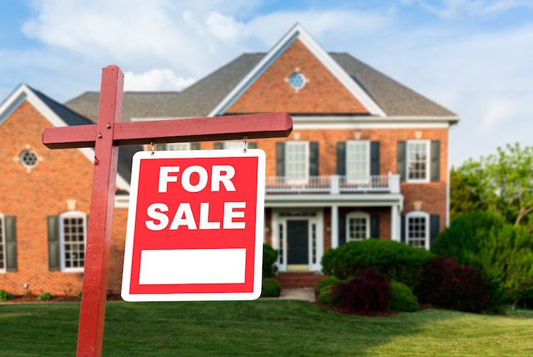 Usa-haus-home-house-us-real-estate-shutterstock 522138814 in USA: Schwebende Hausverkäufe steigen im Oktober wie erwartet
