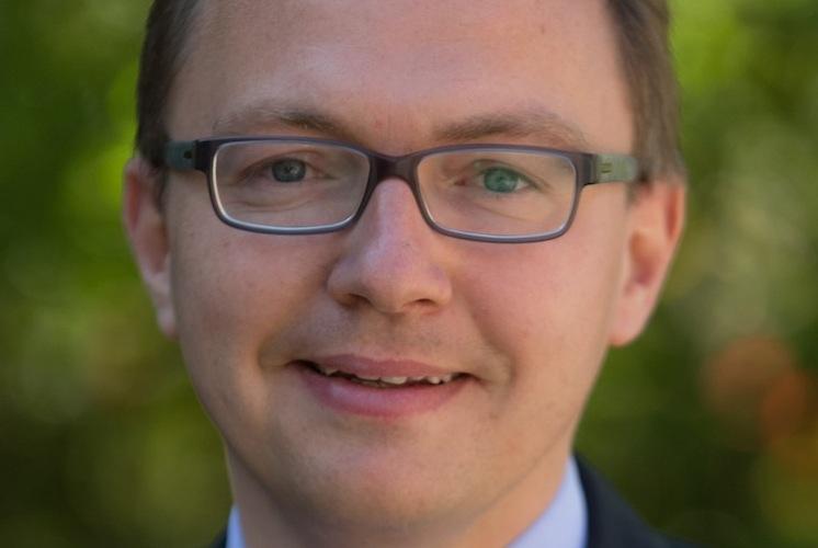 Dr-Patrick-Dahmen in HDI Leben: Zinsloser Zahlungsaufschub und voller Versicherungsschutz bei Zahlungsengpässen