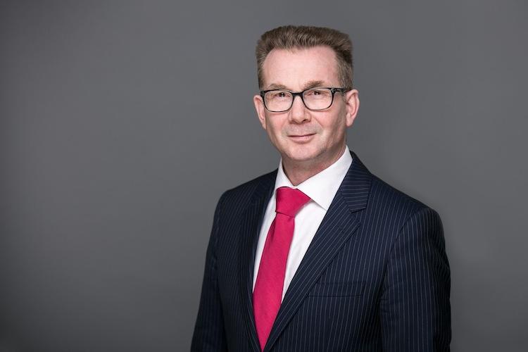 Dr J Wolters in Haftpflichtkasse Darmstadt: Wolters wird Vorstandschef