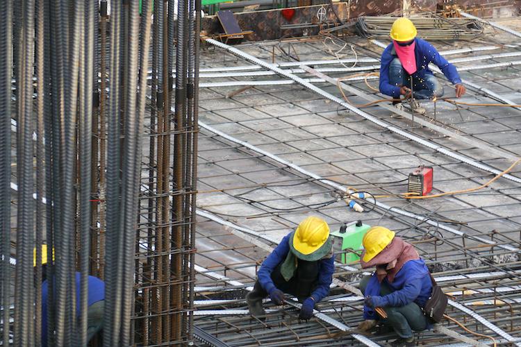 Hausbau-baustelle-haus-bau-shutterstock 527518771 in Lediglich Baugenehmigungen für Einfamilienhäuser auf Vorjahresniveau