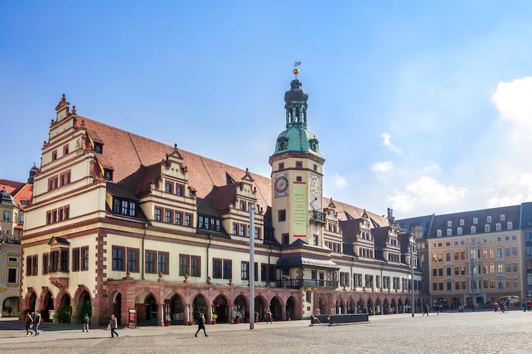 Leipzig-altes-rathaus-shutterstock 406224247 in Engel & Völkers Immobilienranking: Ostdeutsche Märkte holen auf