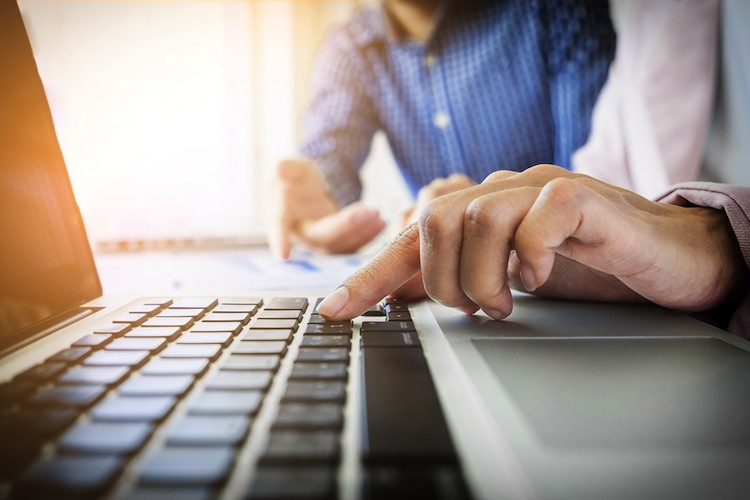 86 Prozent der Befragten stehen beispielsweise digitalen Versicherungsordnern wie Knip oder Clark gelassen gegenüber.