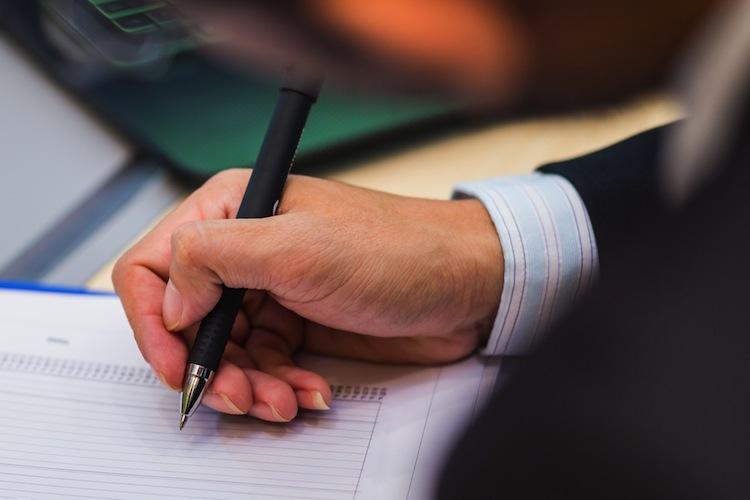 Die Schreiben der Neuen Leben waren aus Sicht der Verbraucherschützer ein klarer Verstoß gegen die Beratungspflicht der Versicherer.