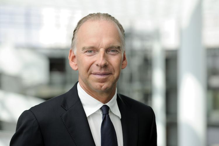Hanssmann Wolfgang in HDI erweitert Two-Trust-Familie
