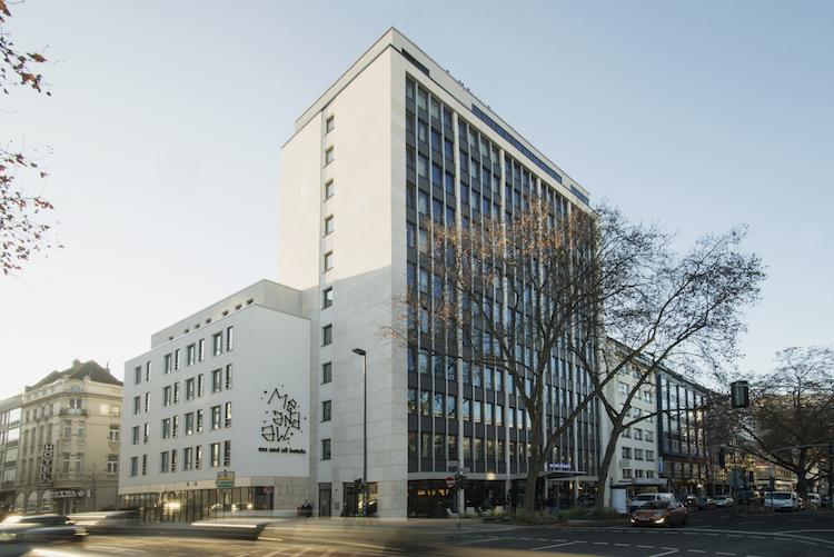 Me-Kopie in Real I.S. erwirbt Hotel in Düsseldorf für Spezial-AIF
