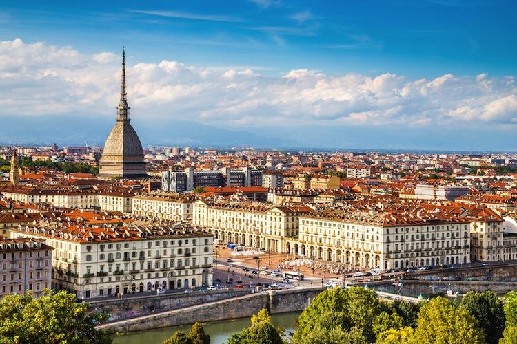 Intesa Sanpaolo ist eines der größten italienischen Kreditinstitute mit Firmensitz in Turin.