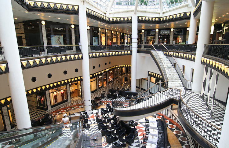Shopping Mall in der Berliner Friedrichstraße: Bei den Spitzenmieten im Berliner Einzelhandel ging es 2016 deutlich nach oben.