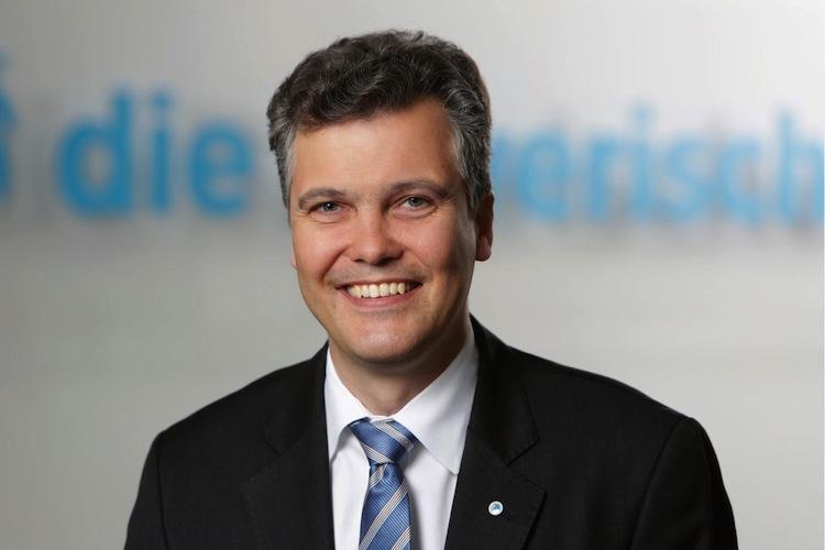 Dr. Herbert Schneidemann, Vorstandsvorsitzender der Bayerischen Versicherungsgruppe