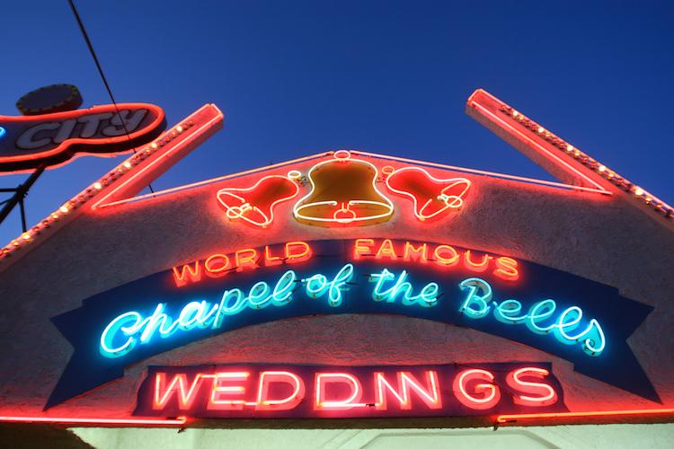 Die Zeremonie in Las Vegas sei laut LSG eine ernsthafte Eheschließung und somit in Deutschland wirksam gewesen. Dies hätte der Seniorin auch klar sein müssen.