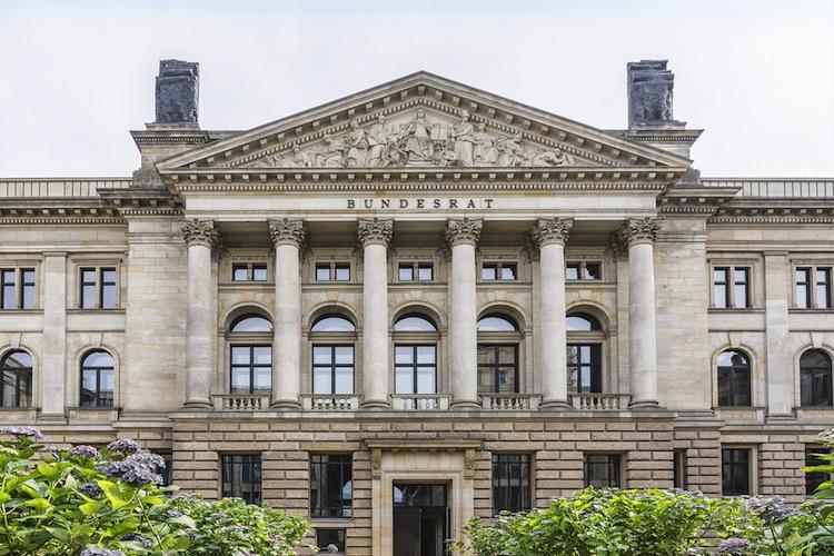 Shutterstock 201131537 in bAV-Reform: Bundesrat fordert Änderungen