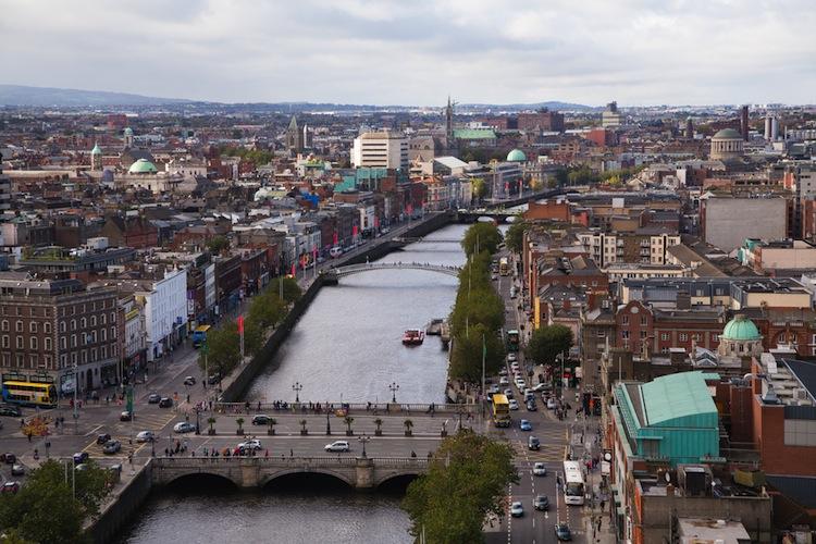Shutterstock 226603870 in Allianz übernimmt irische Tochter zu 100 Prozent
