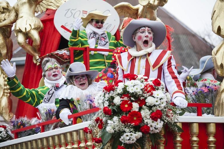 """Laut YouGov-Studie schätzen acht Prozent der aktiven Karnevalisten die Gefahr, sich in der aktuellen Session zu verletzen, als """"sehr hoch"""" oder """"eher hoch"""" ein."""