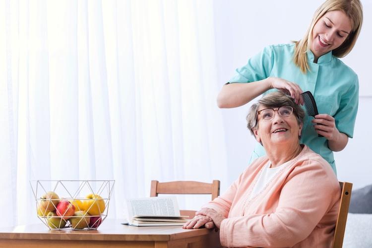 Senioren-pflege-shutt 400982491 in INP investiert in weitere Pflegeimmobilien und Seniorenwohnanlagen
