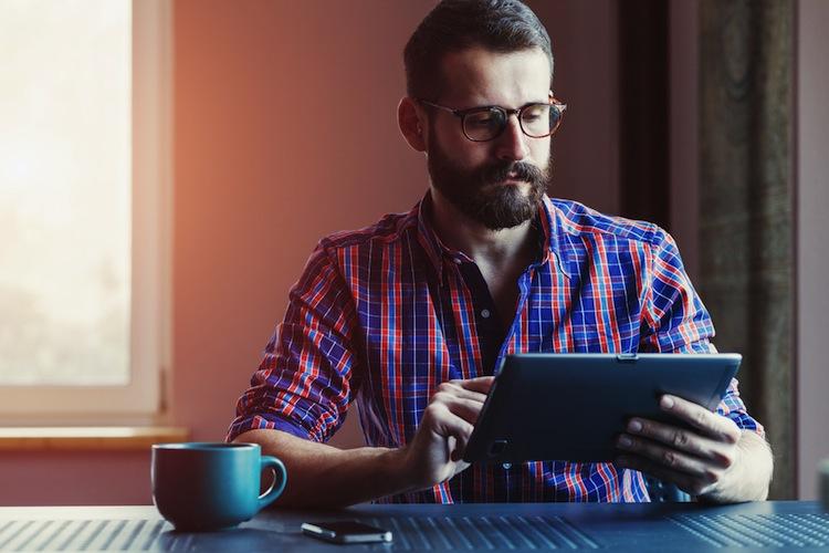 Shutterstock 329699627 in Websites der Versicherer beliebter als Vergleichsportale