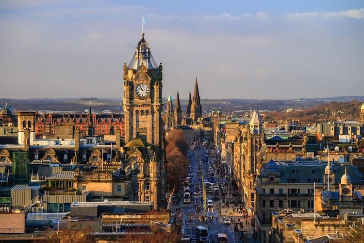 Shutterstock 379877389 in Standard Life treibt Aberdeen-Kauf voran