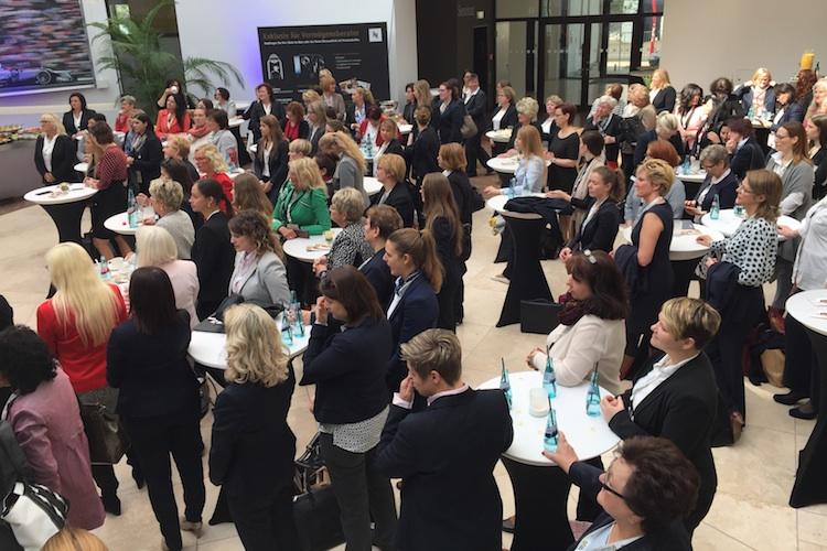 DVAG-Frauen-Kongress in DVAG: Erster bundesweiter Frauenkongress