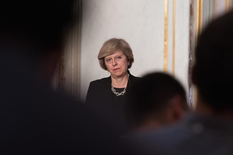 May in Eigentor Mays gut für UK-Wirtschaft