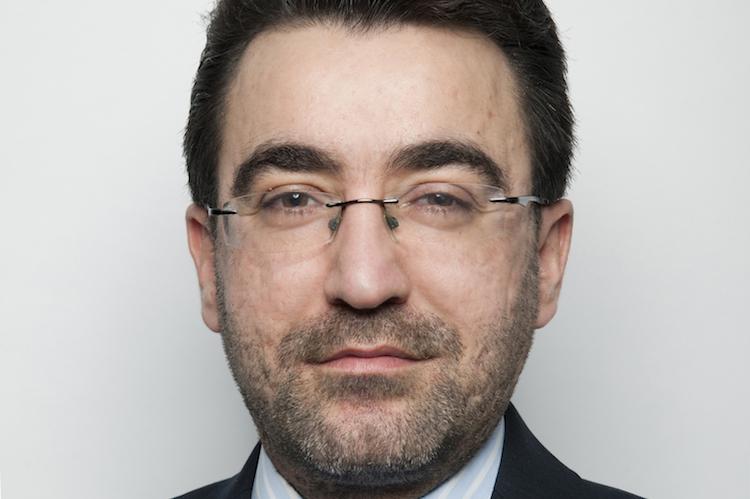 Tarik Dede untersucht die Auswirkungen des Brexits auf die Pharmabranche