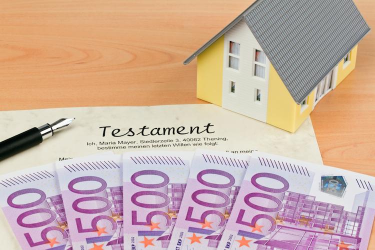 Haus-erbe-testament-geld-euro-shutterstock 55622434 in Zehn Tipps rund ums Erben