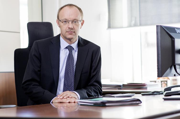 in Fondsbörsen-Chef platzt erneut der Kragen