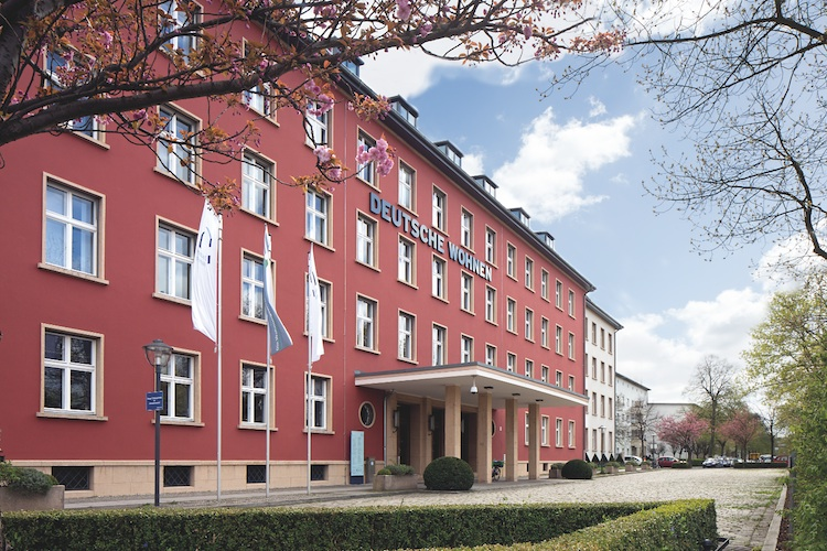 Hauptniederlassung-Deutsche-Wohnen-Berlin in Deutsche Wohnen zeigt sich offen für neuen Vonovia-Vorstoß