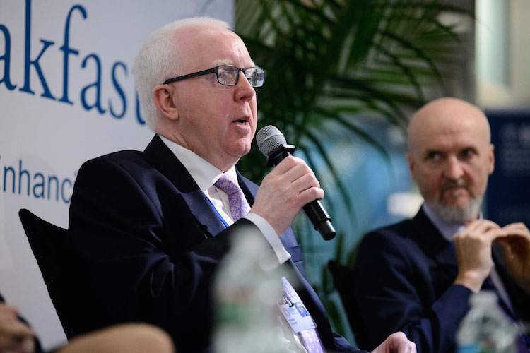 Tony Coverney während der IFC-Diskussion